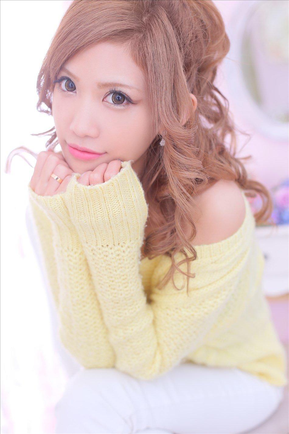『STORY』の注目嬢マナちゃんはツンデレ肉食系美女ッ!?
