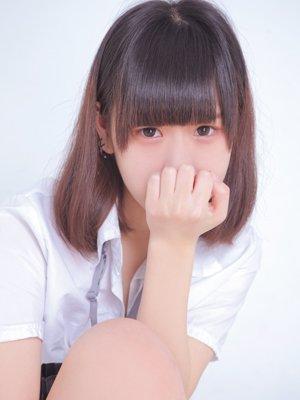 闇メイク?うさぎ目メイク?おしゃれ最前線女子が【ドMっぽ】のあの店に勤務!