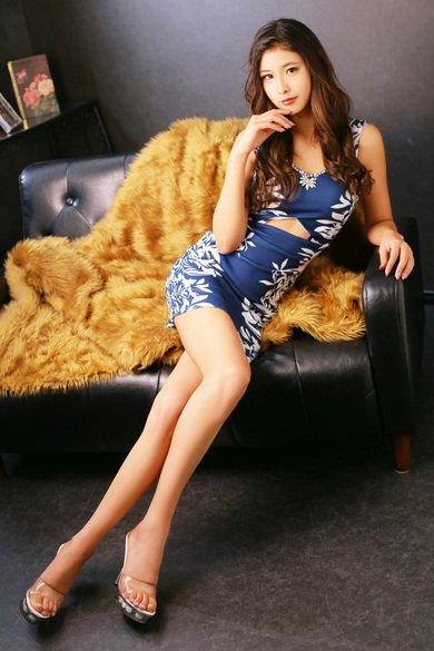 【171㎝】スラリと伸びた美脚が眩しすぎるインターナショナル美女【モデル級】